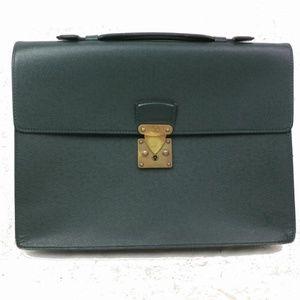 Auth Louis Vuitton Serviette Clad Taiga #1353L14